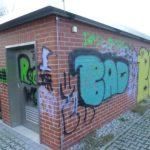 Klinkerwand vor Graffiti Entfernung