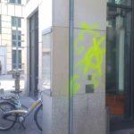 Steinfliesen vor Graffiti Entfernung